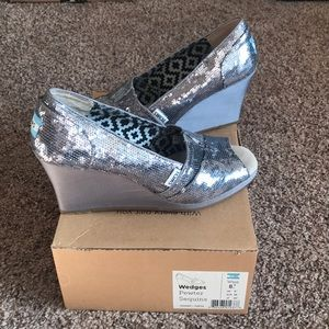Toms - Pewter Sequins Wedges
